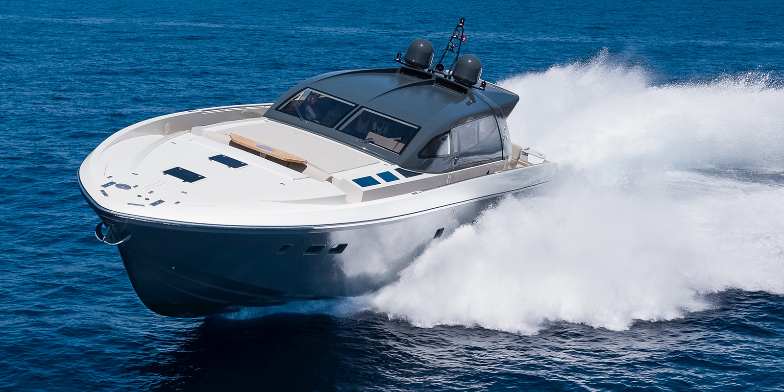 Otam 80 HT attitude - The world of yachts